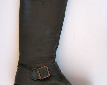 Vintage TIMBERLAND Black Leather Boots - Leather Riding Boots - Inside Zipper and Buckle Detail - Size 7.5 - Lovely Condition