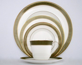 4 Place Setting, Royal Doulton England Belvedere Bone China Dinnerware Set, Discontinued China