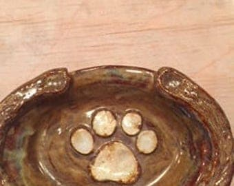 Small Oval with Puppy Paw