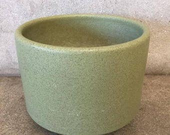 Vintage Gainey Avocado Pot (JK7WP7)