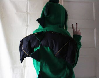 Green spiked dragon hoodie (measurements in lisiting photos)