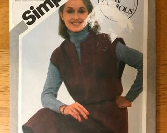 Simplicity 5194 - 1980s Fast and Fabulous Pullover Jumper with Slash Front and Extended Shoulders - Size 10 12 14