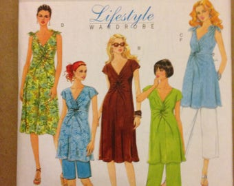 Butterick B5196 Very Easy Maternity Dress or Tunic with Pull on Shorts or Capris - Size 8 10 12 14