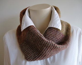 Tubular twisted cowl / thick infinity scarf / soft autumn colours / Tunisian crochet
