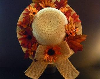 Fall straw hat wreath. Fall decor. Autumn wreath.