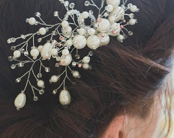 Bridal hair jewelry, pearls comb