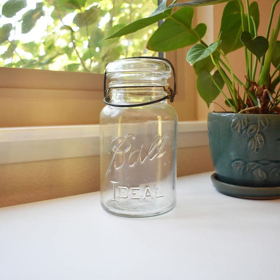 ball ideal jar with glass lid. ball ideal jar - quart size mason clear glass with lid (1923-1933 logo) s