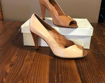 Beautiful Elegant Vintage NOS LA VALLEE Womens Pumps Heels Size 8.5