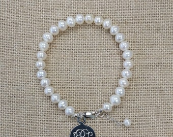 Adult Fresh water Pearl Bracelet with Sterling Silver Disc Monograming