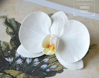 White Orchid Hair clip White Flower hair clip Tropical Flower Orchid hair piece Beach Wedding White wedding Hair flower Bride hair accessory