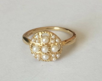 Beautiful vintage hallmarked 10ct 10k yellow Gold and seed pearls ring, UK size I