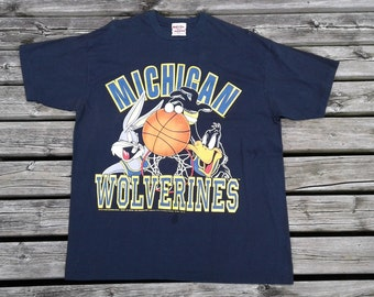 Vintage 90's 1994 Michigan Wolverines basketball vintage Looney Tunes Bugs Bunny Daffy Duck Novel Teez medium t-shirt Made in Canada