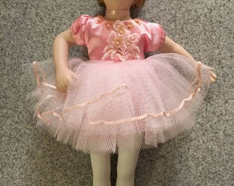 "Vintage Avon Childhood Dreams Ballet Recital/Ballerina 9"" porcelain doll"