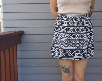 Women's A. Byer Large Fit 'N' Flare Print Black and White Mini Skirt