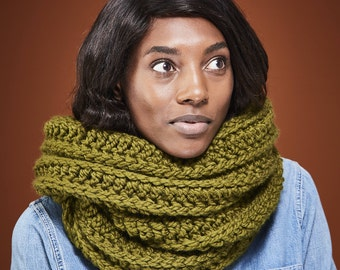 Ready to Ship Green Giant Infinity Scarf Chunky Knit Circle Scarf // THE BIG SCARF Free Shipping Holiday Gifts for Women