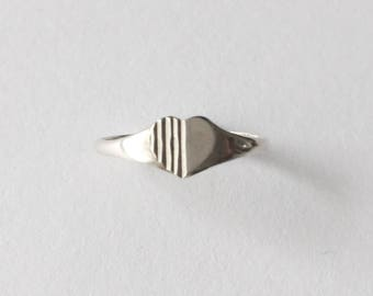 Vintage 1960's Silver Heart Stripes Couple Promise Signet Ring Size N