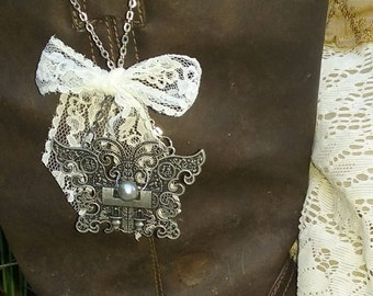 Butterfly Boot Charm Pewter Silver Bead White Lace on Chain Western Steampunk Vintage Style Boot Accessory Boot Pull Jewelry
