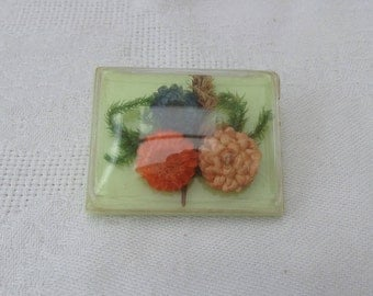 1950's Lucite & Dried Flower Brooch