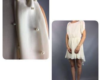 Vintage Dress 1970s White dress Small Dress Summer dress Coctail dress Boho chic dress Pearls dress 70s dress Midi dress Romantic dress
