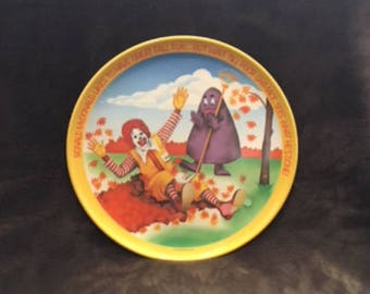 1977 Vintage Ronald McDonald and Grimace Fall Plate