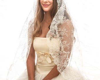 Long Vintage Lace Mantilla Wedding Veil, Made in Spain, Allover Lace Circle Veil Vintage Lace Bridal Veil