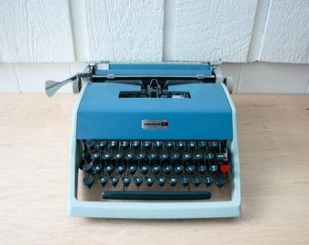 Underwood 21 Working Typewriter Vintage Portable Manual Typewriter