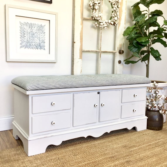 Shabby Chic Bench - Vintage Furniture Upholstered Farmhouse Bench Cedar Hope Chest Storage Furniture Mudroom Storage Bench Blanket Chest