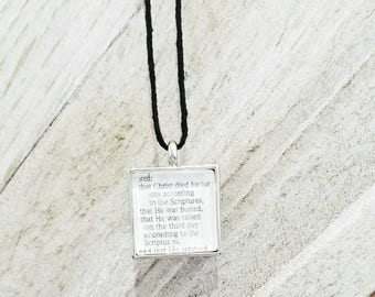 1 Corinthians 15:3-4/Vintage Necklace Pendant/Gift for Her/Gift for mom/Gift for Wife/Christian Jewelry/Vintage Jewelry/Custom Jewelry