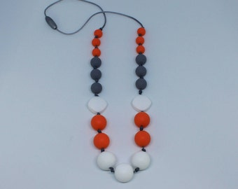 Nursing necklace : White and watermelon silicone beads