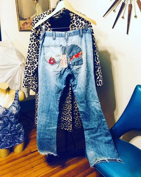 Patched Lee Jeans, 1970s Vintage Lees, Faded Blue Jeans, Bell Bottom Jeans, Distressed old denim,Destroyed jeans, 70s Patchwork denim, Small