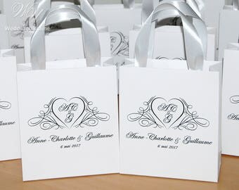 20 Wedding Gift Bags for guests with satin ribbon and names - Elegant Black & White Personalized gifts and favors - Wedding Welcome Bags