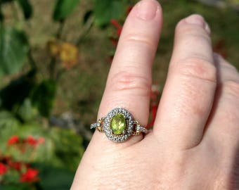 Lovely Sterling Silver Gold Wash Peridot Gemstone Ring