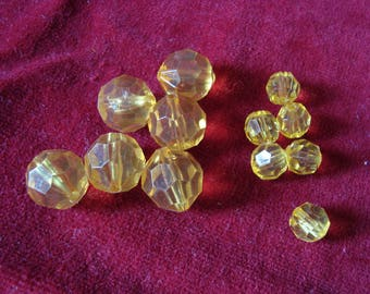 12 pearls faceted yellow plastic 80's