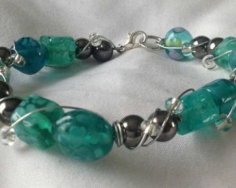 Teal and silver beaded wire-wrapped wire bracelet