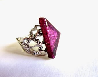 Adjustable Silver Filigree Ring,Pink Glass Ring, Oxidized Silver Ring, Pink and Silver Ring, Geometric Ring, Triangle Ring, Sparkly Ring
