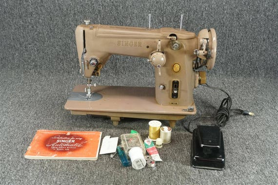 Machine coudre singer 306w vintage 1950 for Machine a coudre 1950