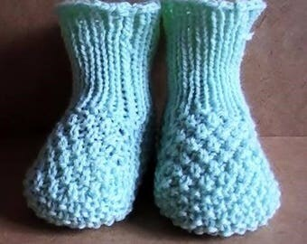Wheat stitch baby booties tutorial