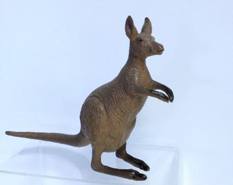 Kangaroo Model, Large Vintage AAA Solid Handpainted Teaching Model, Australian Animal Diorama Model, Retired Model Similar to Schleich