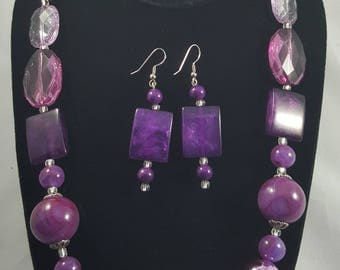 Shades of purple necklace set
