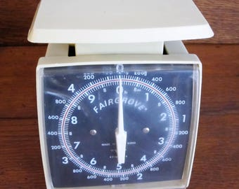 Vintage 1980s Fairgrove Ten-Pound Kitchen Scale