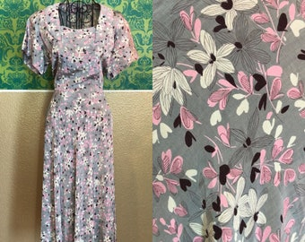 Vintage 1940s Dress - Floral and Heart Novelty Print Day Dress - L