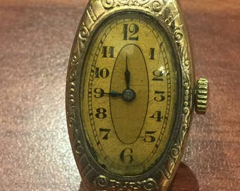 An Art-Deco 10K Gold Filled Finely Engraved Manual Ladies' Wristwatch, c1930's