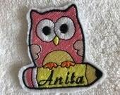 Patch ricamata gufo e matita con nome, per bimbo e bimba, Toppa personalizzata da stirare e cucire ideale per grembiule scuola vestito zaino