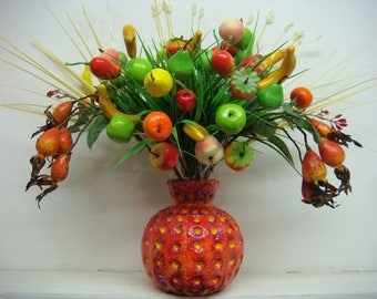 Vase handmade, fruity contemporary modern  design. suitable for all types of flowers, or fruit.