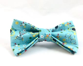 Blue Science Geek dog bow tie - Blue Geek Dog Bow Tie - Techie bow tie - New Dog gift - Dog Bow Tie - Dog Mom gift - Dog Dad Gift