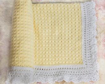 Yellow Baby Blanket, Receiving Blanket, Baby Shower Gift, Baby Girl, Baby Boy, Newborn, Baby Gift Ideas, Nursery Decor, Baby Blanket, Baby