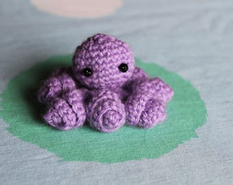 Cute octopus crocheted - amigurumi