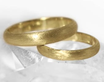 His and Hers D Profile 18ct Gold 'Cavanacaw' Wedding Rings