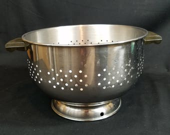 Vtg 18/8 Stainless Steel Colander Strainer  Sieve with 2 Handles. Made in Korea.