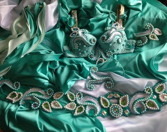 costume for belly dancing